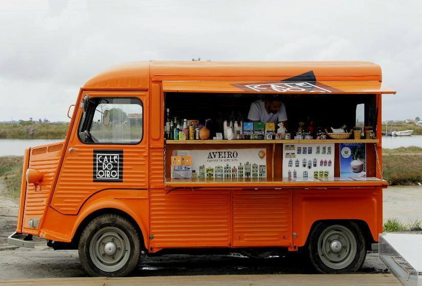 Nesta carrinha ambulante, vendem-se produtos artesanais. Diferentes misturas de sal apropriadas para vários tipos de cozinhados, assim como sabonetes hidratantes ou exfoliantes - todos com um cheiro maravilhoso a laranja.