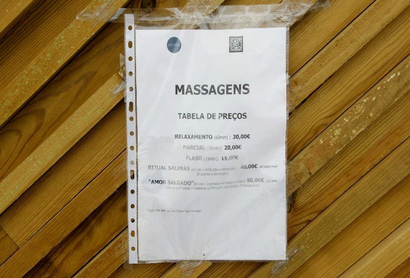 Os preços das massagens - um dos grandes sucessos do espaço.