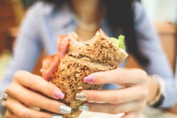 Para algumas pessoas, ganhar peso pode ser tão difícil como para outras é perder peso. Estes são alguns alimentos que podem ajudar a ganhar peso de forma saudável, de acordo com a 'Authority Nutrition'.