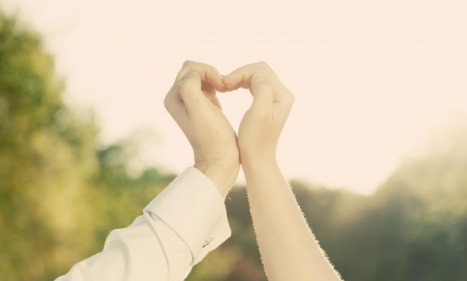 Nas mulheres o sexo aumenta a produção de estrogénio, conhecido por combater doenças cardíacas. Nos homens, a prática de sexo duas ou mais vezes por semana reduz o risco de um ataque cardíaco.