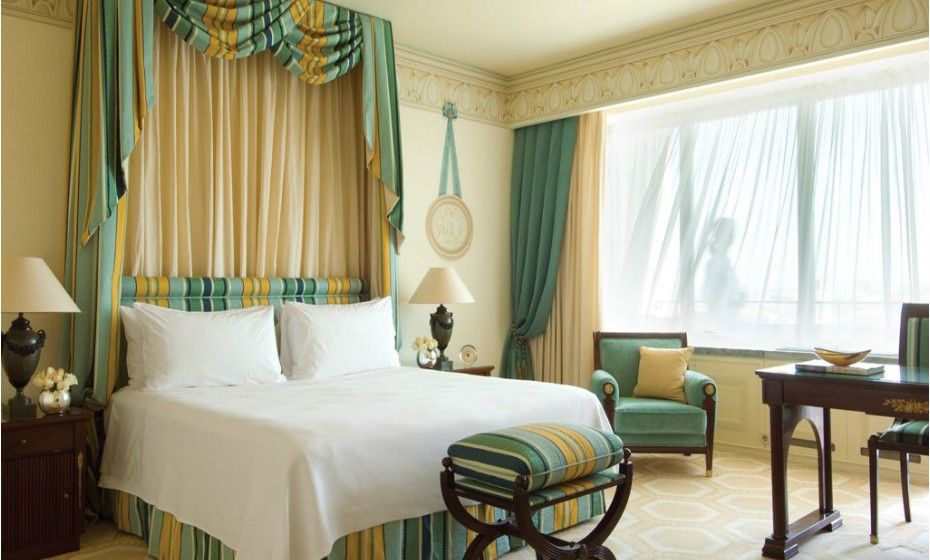13º - Four Seasons Hotel Ritz, Lisboa, Portugal.
