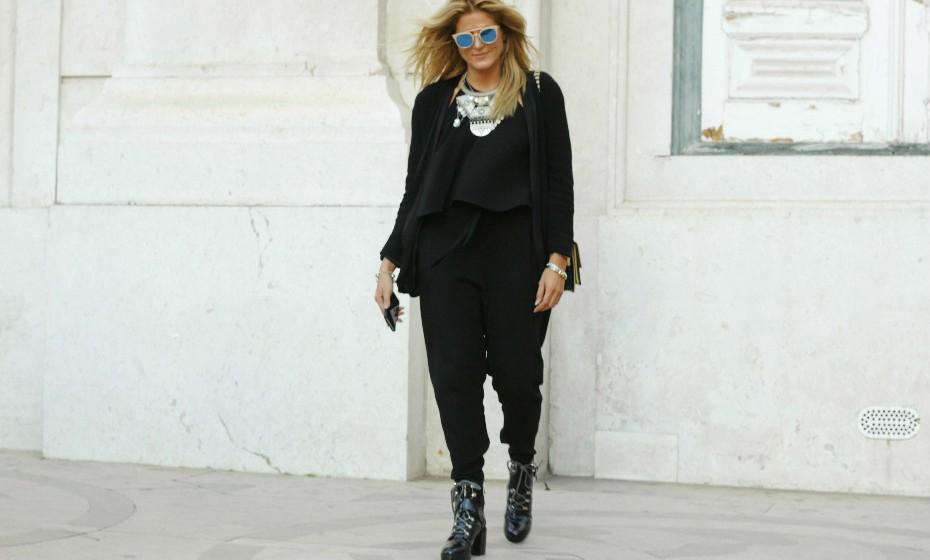 Eva Casanova, 25, apostou num look 'total black'.