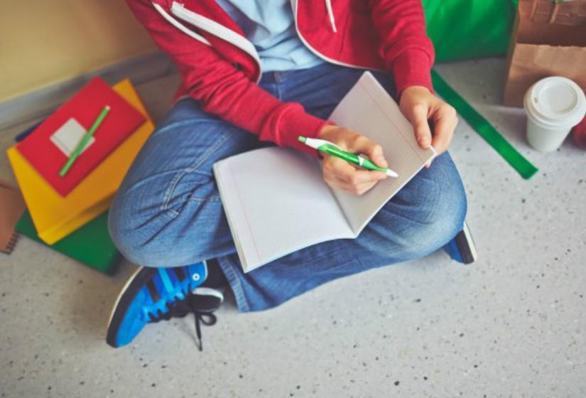 É importante para o desenvolvimento pessoal e intelectual da criança ter atividades extracurriculares.
