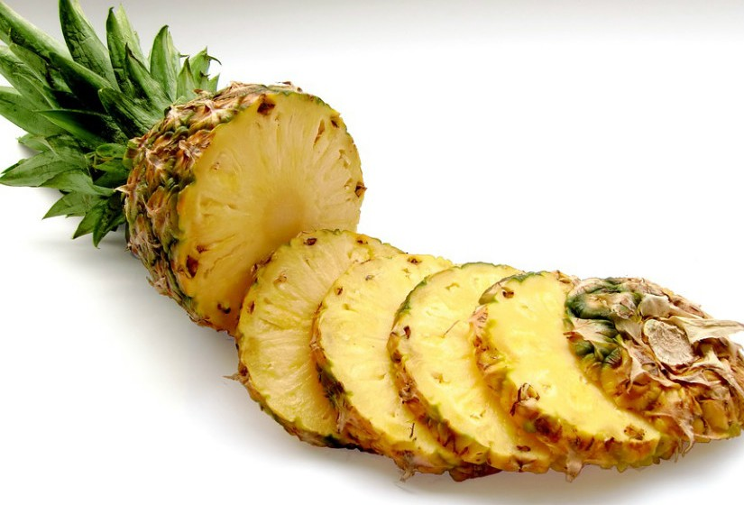 O abacaxi contém um poderoso anti-inflamatório chamado bromelina. Apesar de todas as partes deste fruto estarem polvilhadas com esta substância, a maior parte reside no tronco.