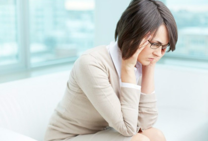 Técnicas de relaxamento: Pessoas que sofrem com fortes enxaquecas podem procurar algum alívio a partir de técnicas de relaxamento, como exercícios de respiração profunda, imaginação guiada e meditação.