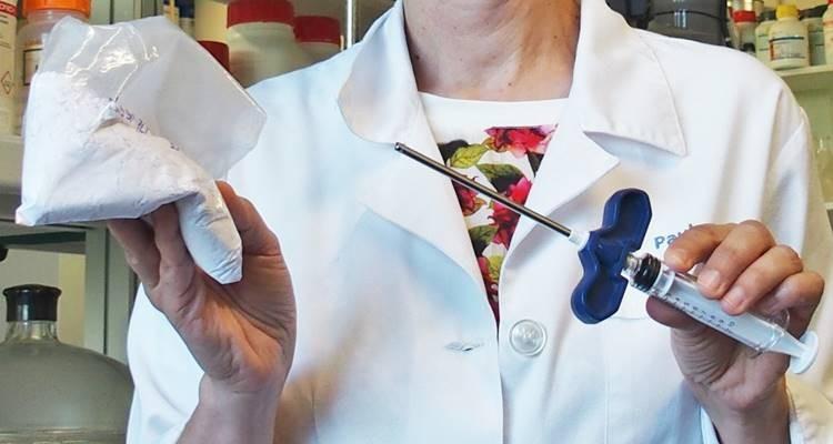 Cimento ósseo dá esperança ao tratamento de fraturas nas vértebras