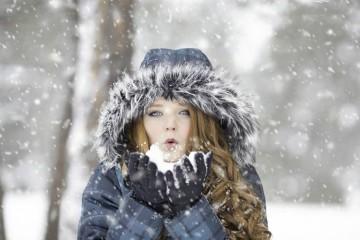 O frio chegou e traz consigo alguns amigos, nomeadamente a constipação e a gripe, que encontram nesta altura uma janela de oportunidade para atacarem. Este é um guia de orientações para prevenir estas enfermidades típicas das estações mais frias.