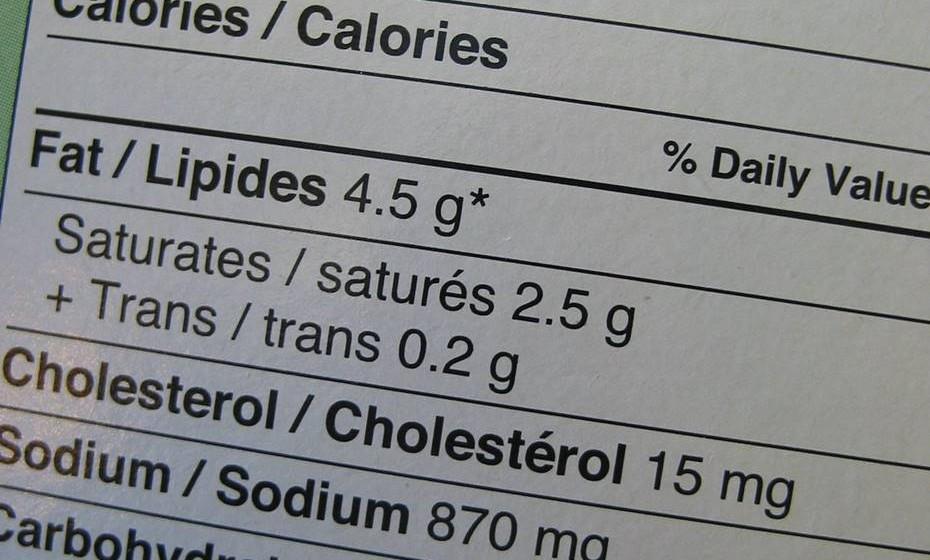 Leiam os rótulos dos alimentos e procurem a alternativa com menor taxa de sódio nos alimentos favoritos dos vossos filhos.