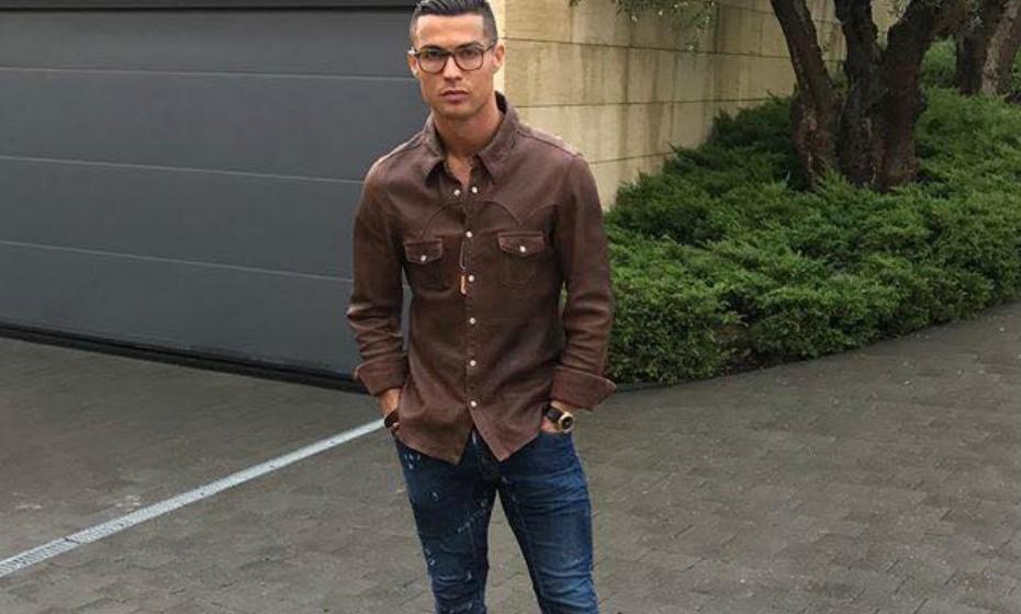 Recentemente renovou contrato com o Real Madrid, onde ficará até 2021.