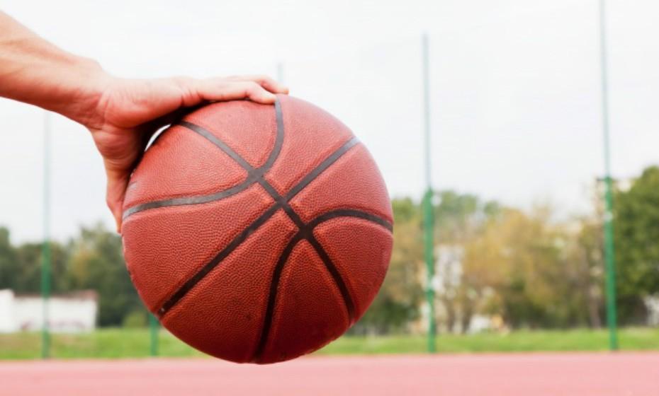 Balança – Gosta de cuidar do seu corpo, mas tem uma fraqueza: os doces. Este signo é muito guloso. Balança tem jeito para imensos desportos como basquete, voleibol, vela, ténis, etc. Em suma, atividades que exijam um parceiro ou uma equipa.