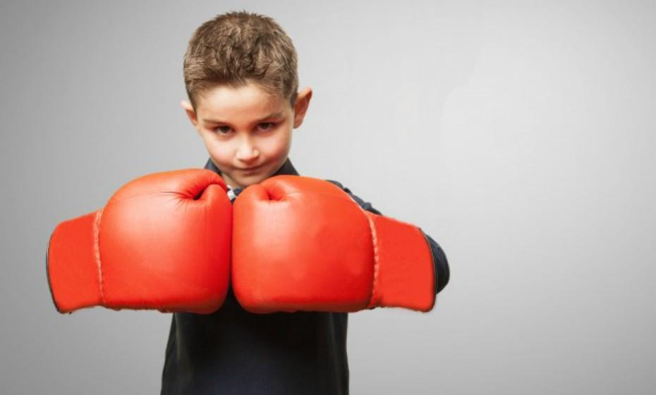 Escorpião – É muito intenso e determinado (para o bem e para o mal). Precisa de canalizar a frustração reprimida em atividades saudáveis que aliviem o stress. Experimente boxe ou atletismo.