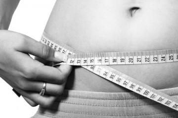 Jantar mais cedo pode ajudar na perda de peso