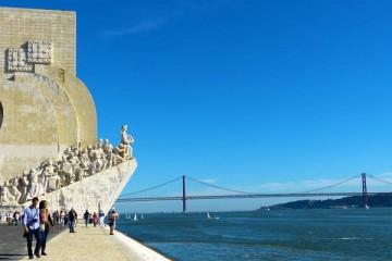 Dormidas e receitas de turistas estrangeiros aumentam 10 por cento