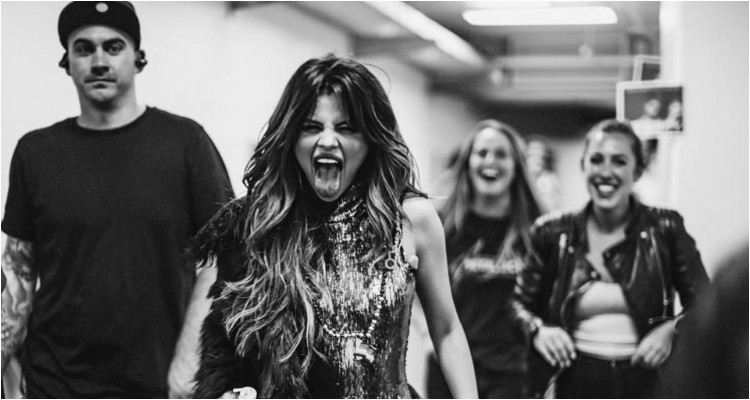 Selena Gomez reaparece com discurso poderoso