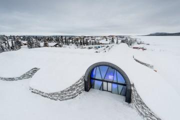 Estar hospedado neste hotel é como estar numa sequela do filme 'Frozen', mas aqui ninguém canta. Mesmo que não fique hospedado, o local merece uma visita. E já pode ser em qualquer altura do ano.