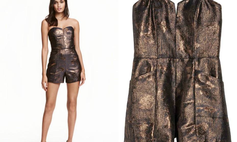 Pode fugir ao tradicional vestido e optar por outro tipo de peça, como um macacão brilhante. (Look H&M)