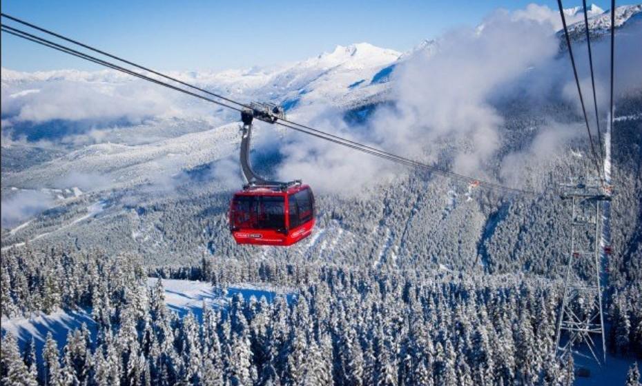 2. Whistler, Canadá - Vai ficar rendido à deslumbrante paisagem montanhosa. É um ótimo destino para todas a alturas do ano: no inverno tem neve, ideal para praticar ski ou snowboard, e no verão pode divertir-se em festivais.