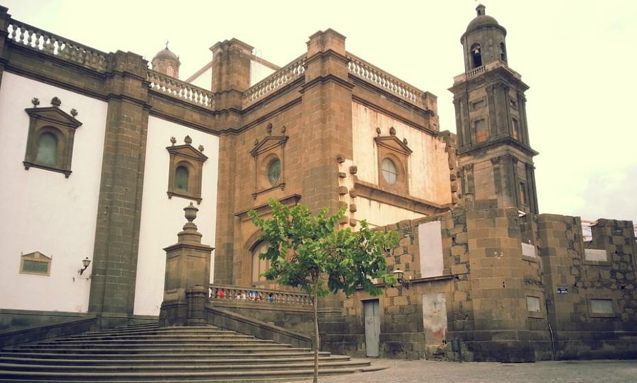 8. Las Palmas de Gran Canaria, Espanha - Fundada em 1478, esta cidade conta com uma população de 383.343 habitantes é a maior cidade das Ilhas Canárias. Possui história e paisagem, agradando a vários tipos de turistas.