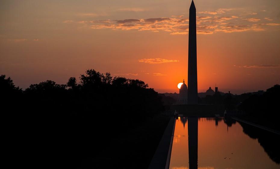 10. Washington D.C. é a capital dos Estados Unidos da América. Tem uma economia diversificada e próspera, com uma percentagem crescente de serviços profissionais e de negócios.