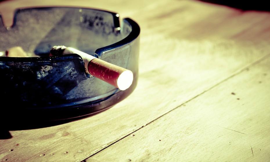 Era impossível não mencionar este tópico: não fume! Em Portugal, em 2010, o tabaco foi responsável pela morte de cerca de 11 800 pessoas.