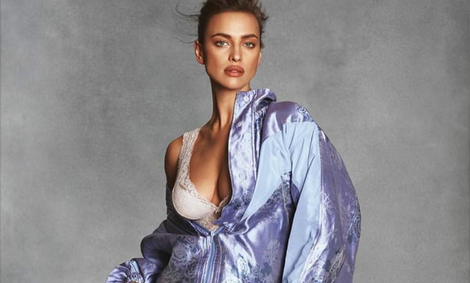 Os rumores de que Irina Shayk estaria grávida começaram quando a modelo desfilou para a Victoria's Secret no ano passado. Porém, Shayk tem mantido esta parte da sua vida bastante privada.