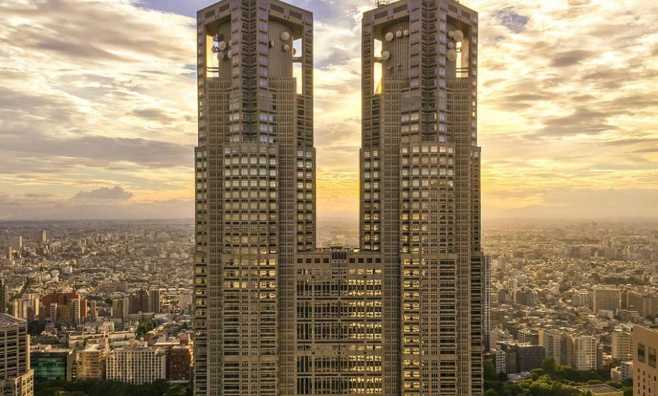 3. Tóquio, Japão, é um destino de compras de luxo e o centro de riqueza da Ásia. Capital do Japão, funde a sua tradição rica com a força financeira.