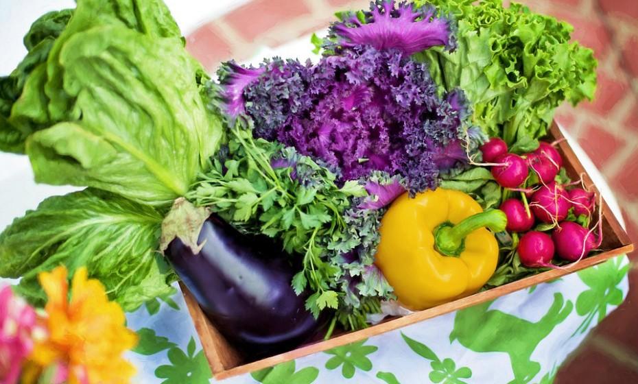 Sabemos que os produtos biológicos são ainda algo dispendiosos, mas se possível aposte nesses. Evite ao máximo ingerir químicos, o seu corpo agradece.