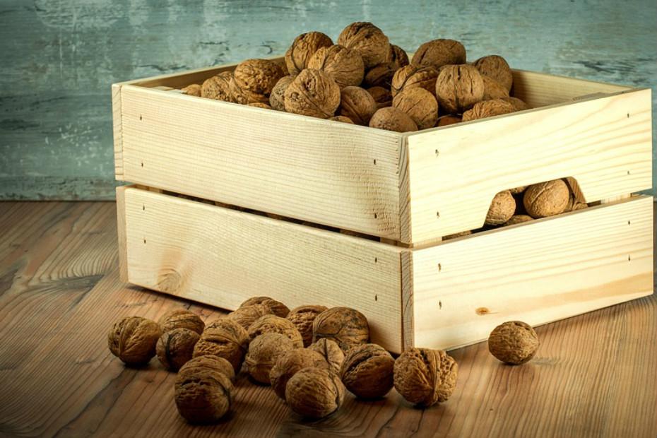 Nozes e sementes: Amêndoas, nozes, sementes de chia, sementes de cânhamo e sementes de linhaça.