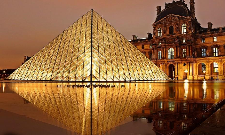 5. Paris, França, é um refúgio para a cultura, entretenimento, compras e finanças. A Cidade da Luz é um íman para o comprador de propriedades ricas.