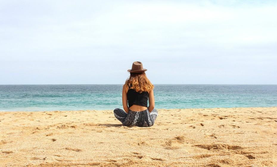Faça yoga, ouça música para relaxar, leia um livro, o que quiser. O importante é que tire tempo para si para diminuir os momentos de stress e ansiedade.