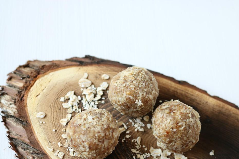 Outros alimentos como, por exemplo, ovos, aveia, batata, quinoa, trigo e chocolate negro também são importantes.