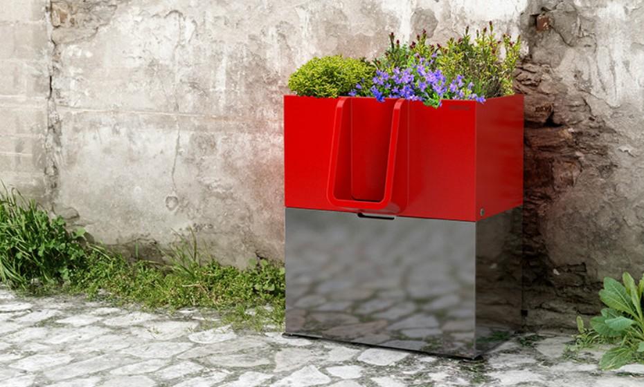 Apesar de ser conhecida como a cidade da luz e do romance, Paris também é, muitas vezes, a cidade do xixi. As caixas instaladas nas ruas parisienses convertem urina em compostagem a ser utilizada em parques e conseguem absorver o cheiro desagradável.