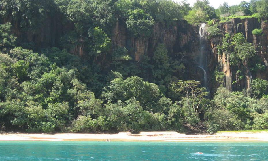 1. Baía do Sancho, Fernando de Noronha, Brasil