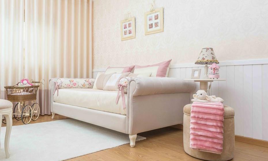 A cama da herdeira do trono, num estilo romântico.