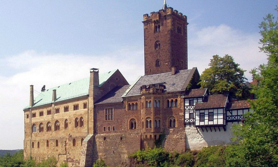 O Wartburg é um castelo da Turíngia, situado numa colina sobre Eisenach, onde se ergue a 411 metros acima do nível médio do mar. Foi fundado por volta de 1067 por Ludwig der Springer e está classificado, desde 1999, como Património da Humanidade como um 'Monumento Excecional do Período Feudal na Europa Central'.