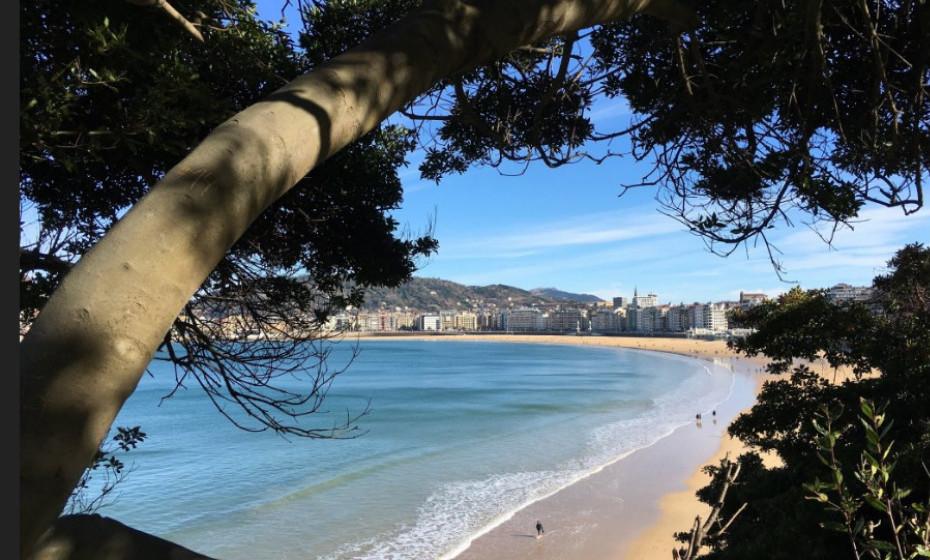 6. Praia La Concha, São Sebastião - Espanha