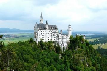 São castelos que inspiram cenários românticos e de fantasia e estão entre os mais belos da Europa. Conheça alguns e comece a sonhar com a sua viagem à Alemanha pelo mundo encantado dos castelos.