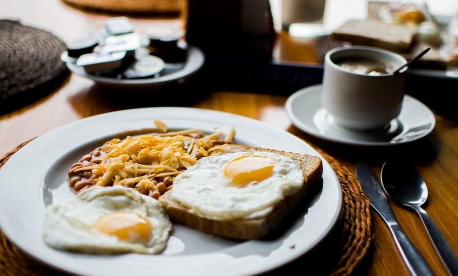 Por ser um dos fatores mais apreciados numa estadia de hotel, a trivago divulga os 10 estabelecimentos com o melhor pequeno-almoço de Portugal, com base em mais de 175 milhões de avaliações, recolhidas num total de 34 sites de reserva de hotéis. A seleção engloba hotéis de 5 e 4 estrelas, aparthotels e bed & breakfasts. Conheça o top 10.