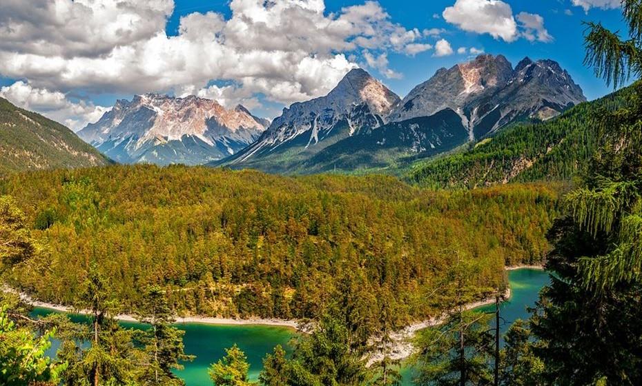 13. Áustria