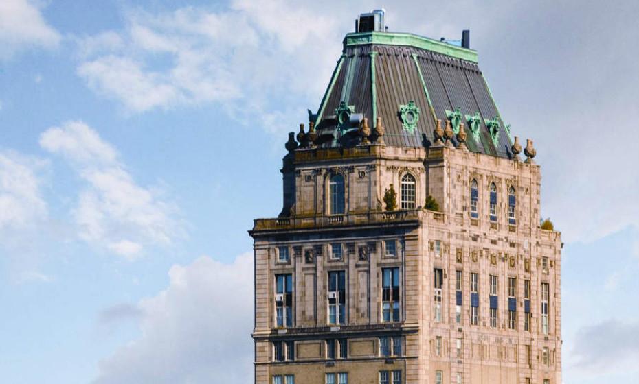 The Pierre Penthouse - Nova Iorque, EUA: Localizada na Fifth Avenue, esta penthouse possui 16 quartos, uma biblioteca do século XVIII, sauna sueca, um elevador privado, e três andares cada um com a sua cozinha.