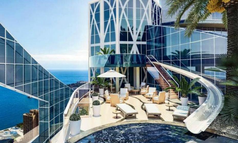 Tour Odeon – Mónaco: Diz-se por aí que é o condomínio mais caro do mundo. 3.250 metros quadrados, 3 quartos, serviço de portaria 24 horas e motorista privado. Tem uma piscina infinita incrível, acessível por um slide de água que se estende desde a pista de dança privada.