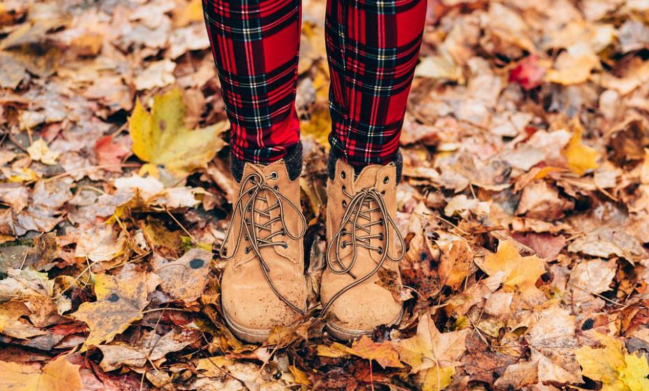 Utilize calçado que encaixa corretamente - nunca devem tocar nas unhas dos pés. Além disso, tente alternar os sapatos que usa todos os dias para que possam apanhar ar antes de usá-los novamente.