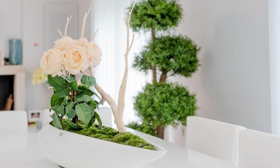 As plantas são essenciais para obter um look primaveril.