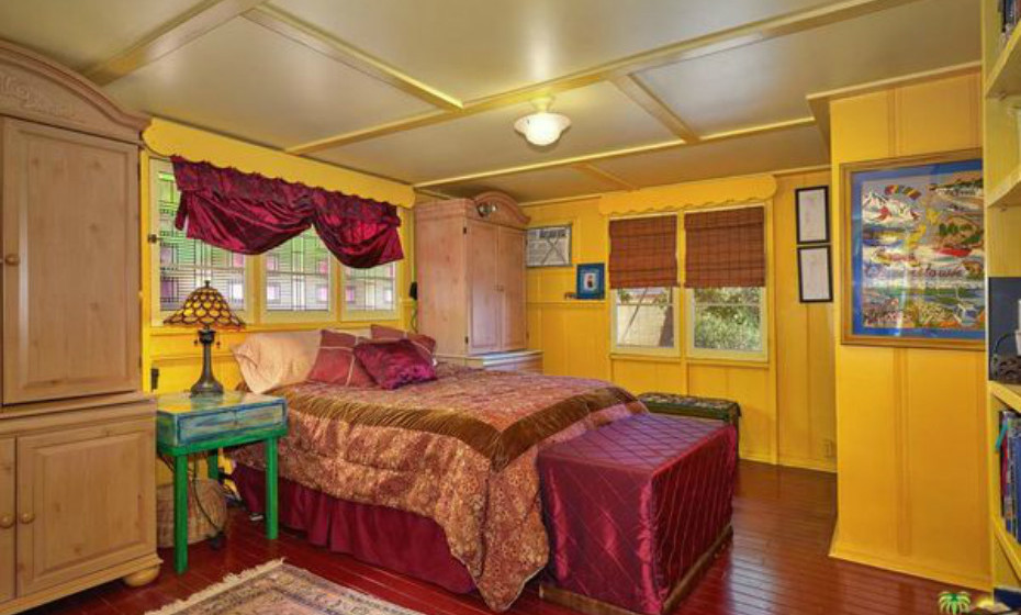 Em algumas áreas há, inclusive, pisos de madeira multicoloridos.