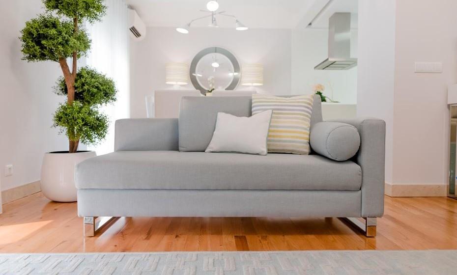 Troque as almofadas de lã e veludo por almofadas em algodão ou linho.
