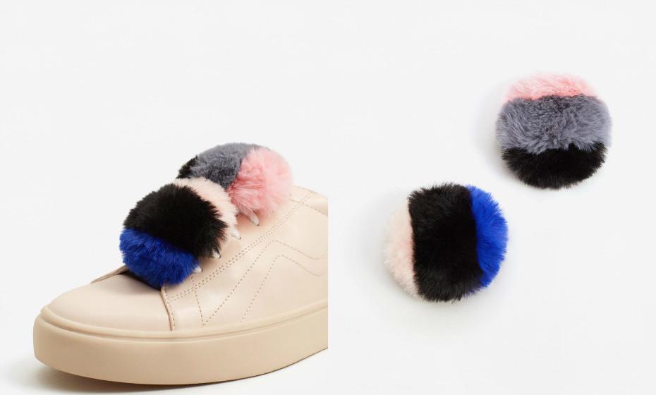 Adorne o seu calçado com pompons. Na imagem: Mango.