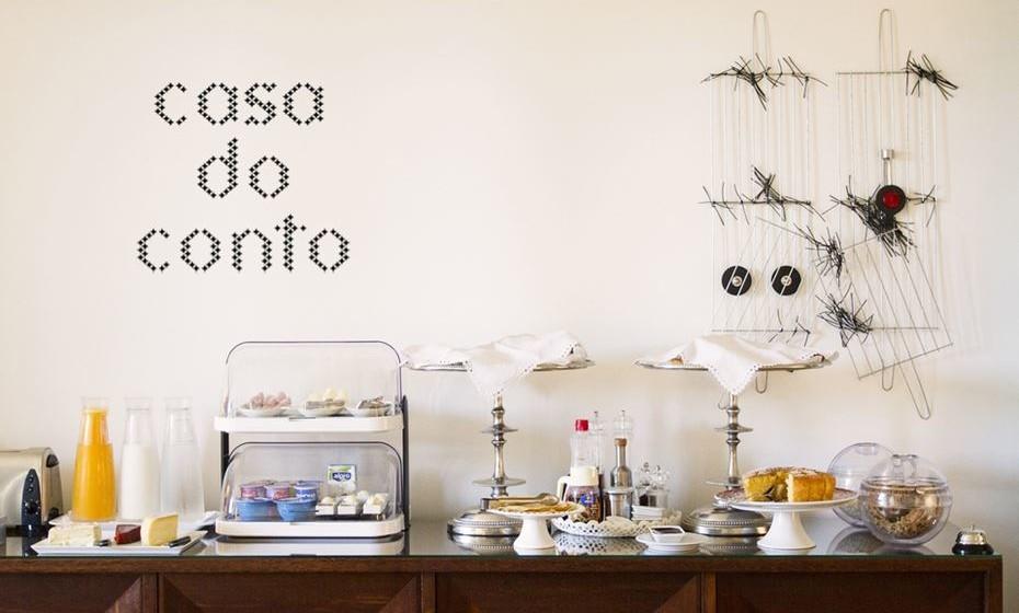 """9. Casa do Conto, Porto, Pontuação: 79.97 - Situado numa casa burguesa do século XIX no Porto, a Casa do Conto conta com espaçosas suites, com varanda e vistas para a cidade. Servido na sala de jantar ou no pátio, o buffet de pequeno-almoço é preparado todas as manhãs… e todas as manhãs ganha novos fãs. Delicioso, excelente, caseiro e farto. O pequeno-almoço da Casa do Conto oferece """"tudo o que se precisa"""", com frutas, pães, ovos, iogurte… numa experiência que vai querer repetir!"""