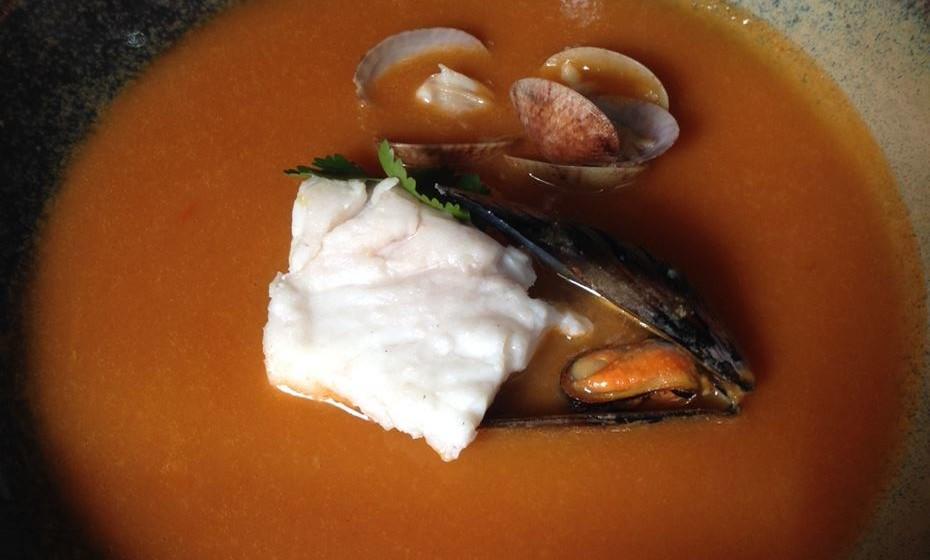 """""""Sopa Rica de Peixe e Marisco"""""""
