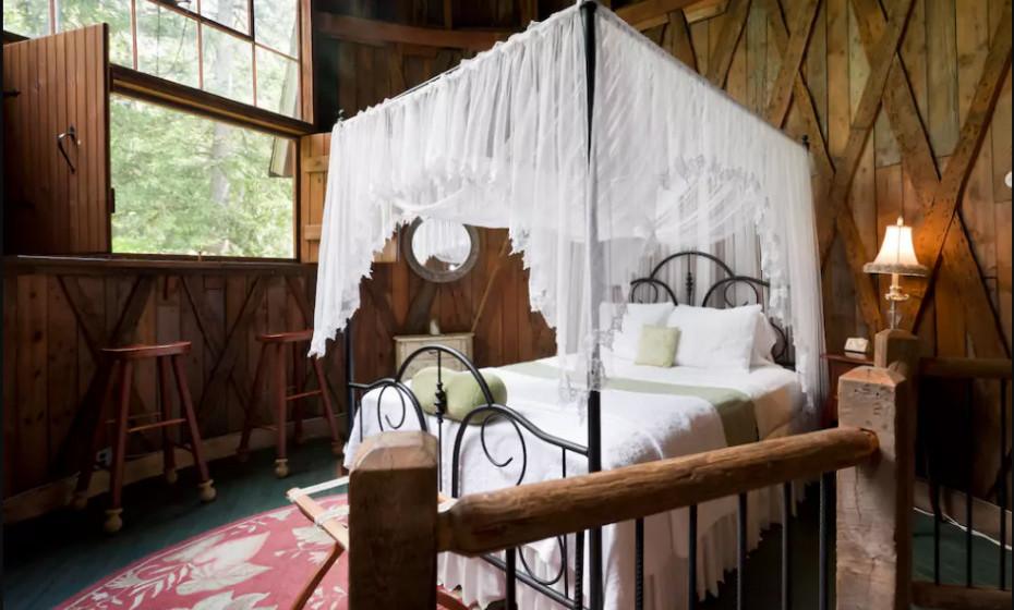 Já foi um estúdio de verão do escultor Henry Hudson Kitson. Agora, estes dois andares encantadores, a paisagem e esta cama incrível tornam o cenário perfeito para uma escapadela romântica.