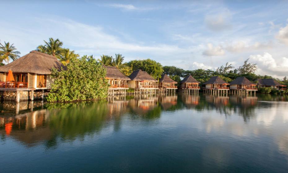 12. Constance Le Prince Maurice, Ilhas Maurícias – Este é o hotel perfeito para umas férias em família. O clima do local é ameno, portanto ideal para crianças. O resort é bonito, asseado e os empregados são extremamente simpáticos.
